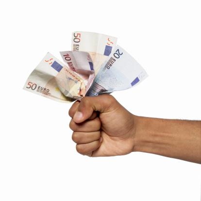 Mit Sofortauszahlung Geld Eilkredit 150 Euro günstig leihen